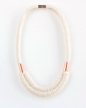 FIBROUS - DOLLY NECKLACE - CREAM