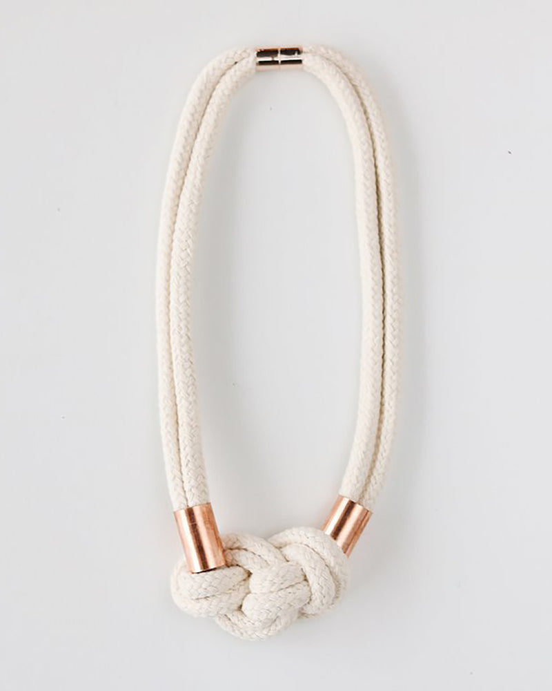 Load image into Gallery viewer, FIBROUS - CLOUD NECKLACE