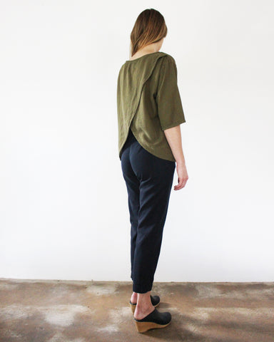 LAURA OPEN BACK TOP - OLIVE