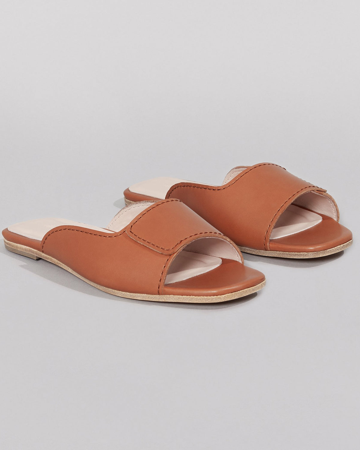 WILDER SHOES - MAUDE SLIDE - TAN VACHETTA