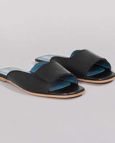 WILDER SHOES - MAUDE SLIDE - BLACK VACHETTA