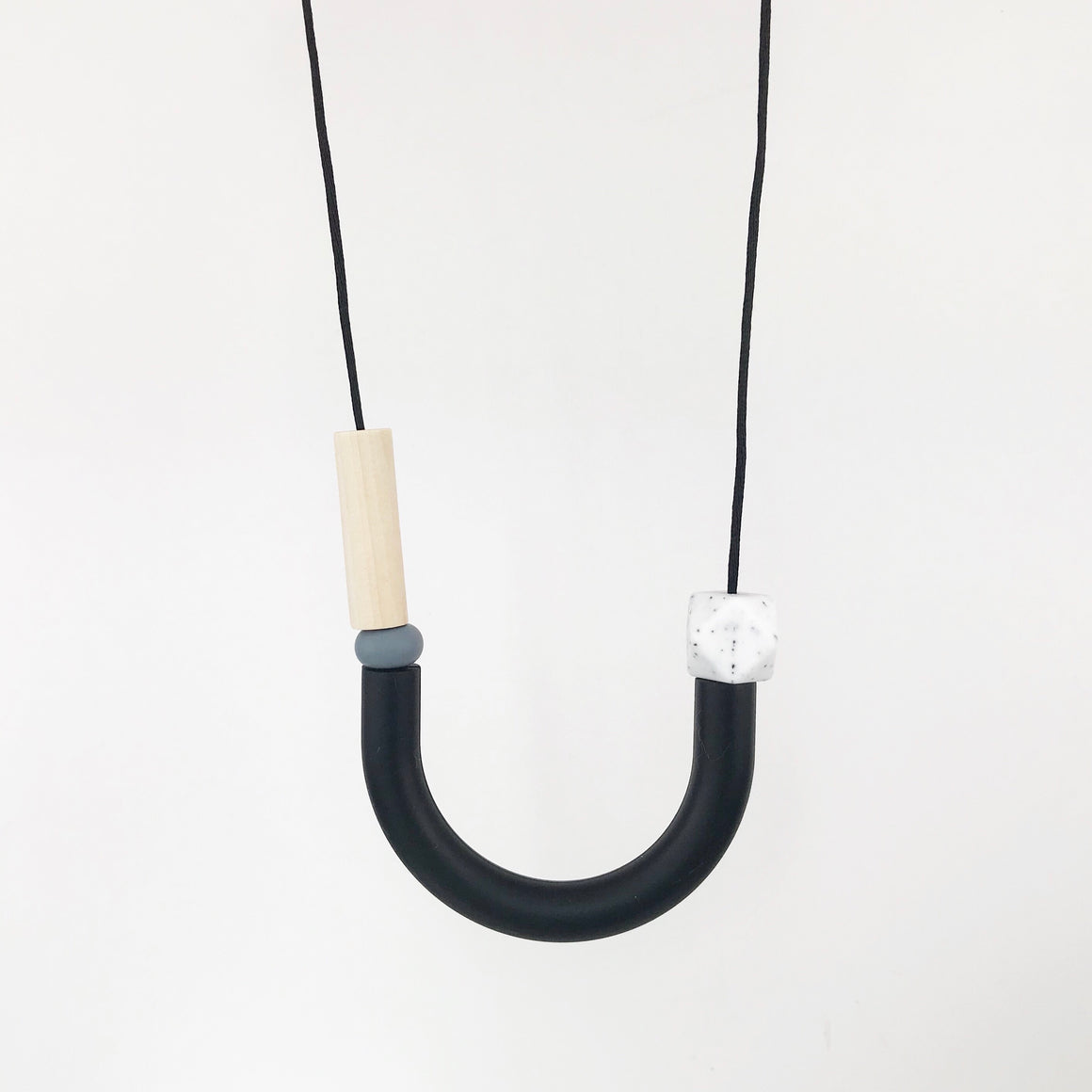 Hook Necklace - Mono