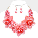Flower Pendant Necklace (Coral)