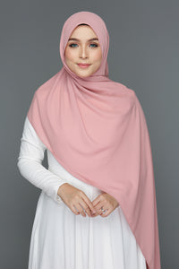 NN Basic Shawl (Strawberry Milkshake)