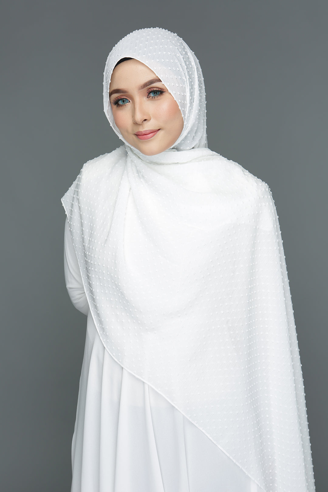 Textured shawl (White)