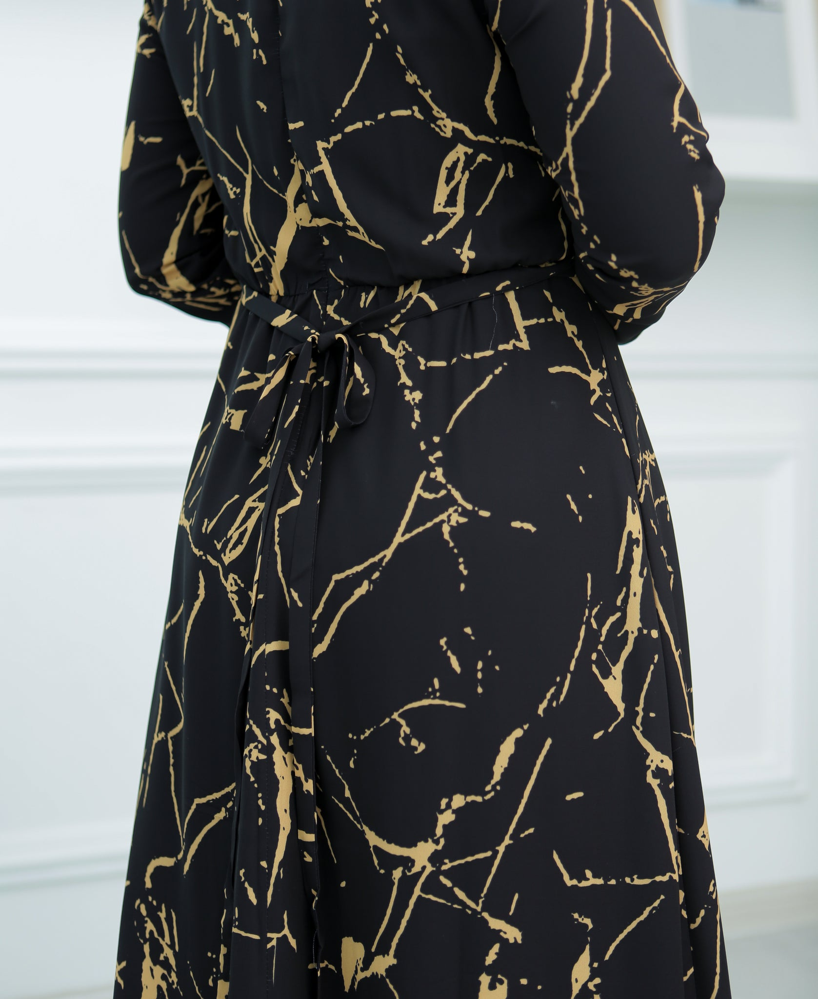 Marble Basic Dress (Black/Gold) 2