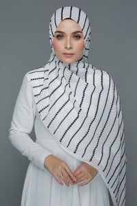 Textured Embroidery Shawl (White)