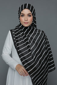 Textured Embroidery Shawl (Black)