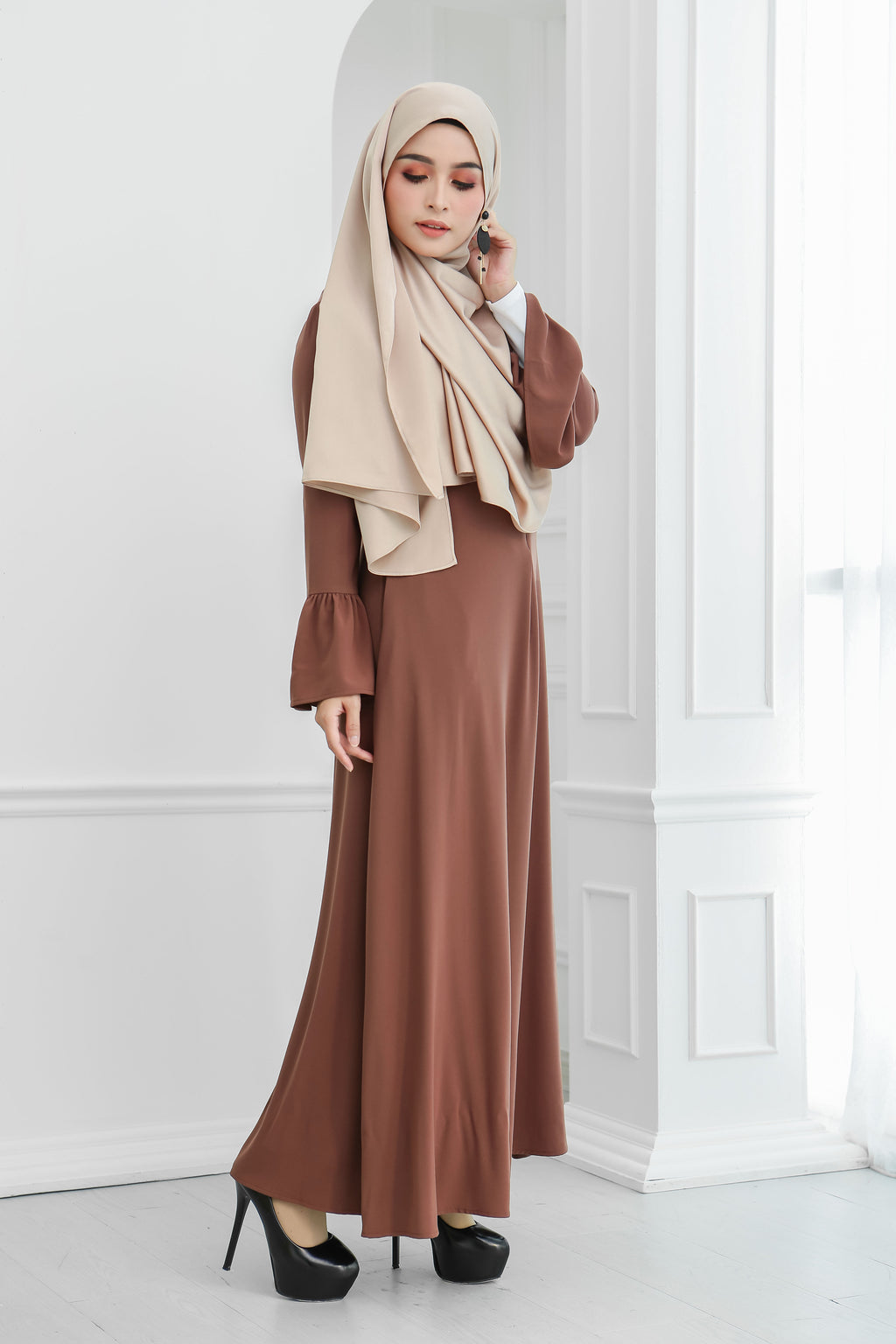 Basic Ruffle Sleeve Dress (Brown Sugar)
