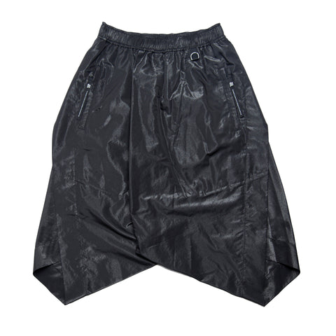 TWISTED SIDE SLASH SHORTS