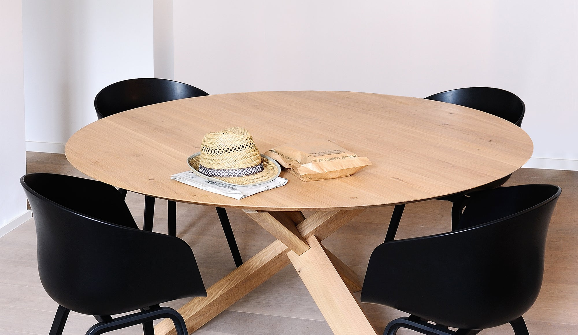 Circle Oak Dining Table