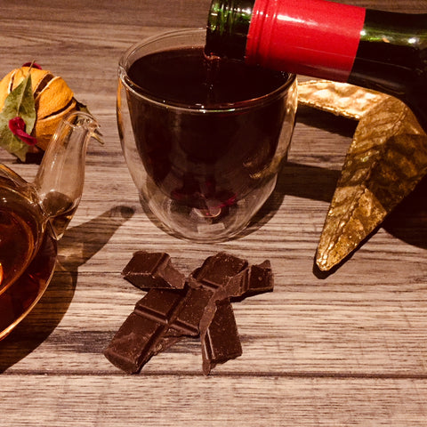 Red wine and chocolate - the best autumn drink