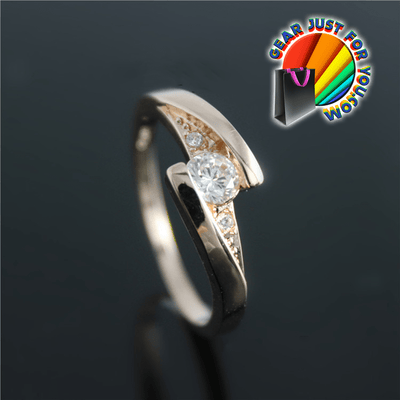 Women's Luxurious Platinum Plated Heart Shape Cubic Zirconia Diamond Ring - Gear Just For You.com