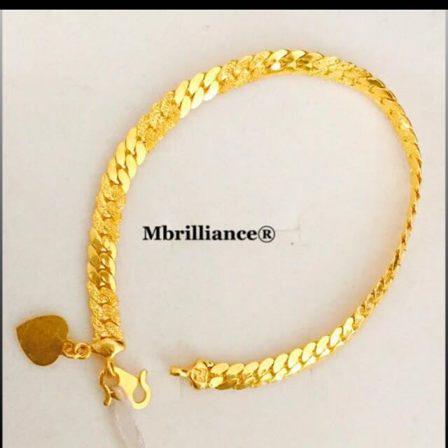 Cowboy bracelet 22k / 916 Yellow Gold by Mbrilliance