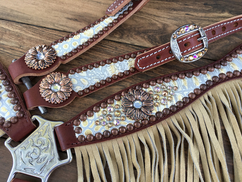 Cream Gator with Fringe & Daisy Conchos