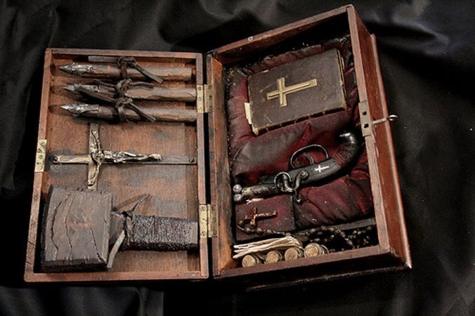 Vampire hunting Kit *Reproduction*