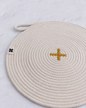 Load image into Gallery viewer, Rope X Trivet Ochre