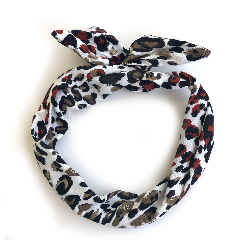 Le bandeau à torsader Édition Léopard / The Twisted Headband Leopard Edition