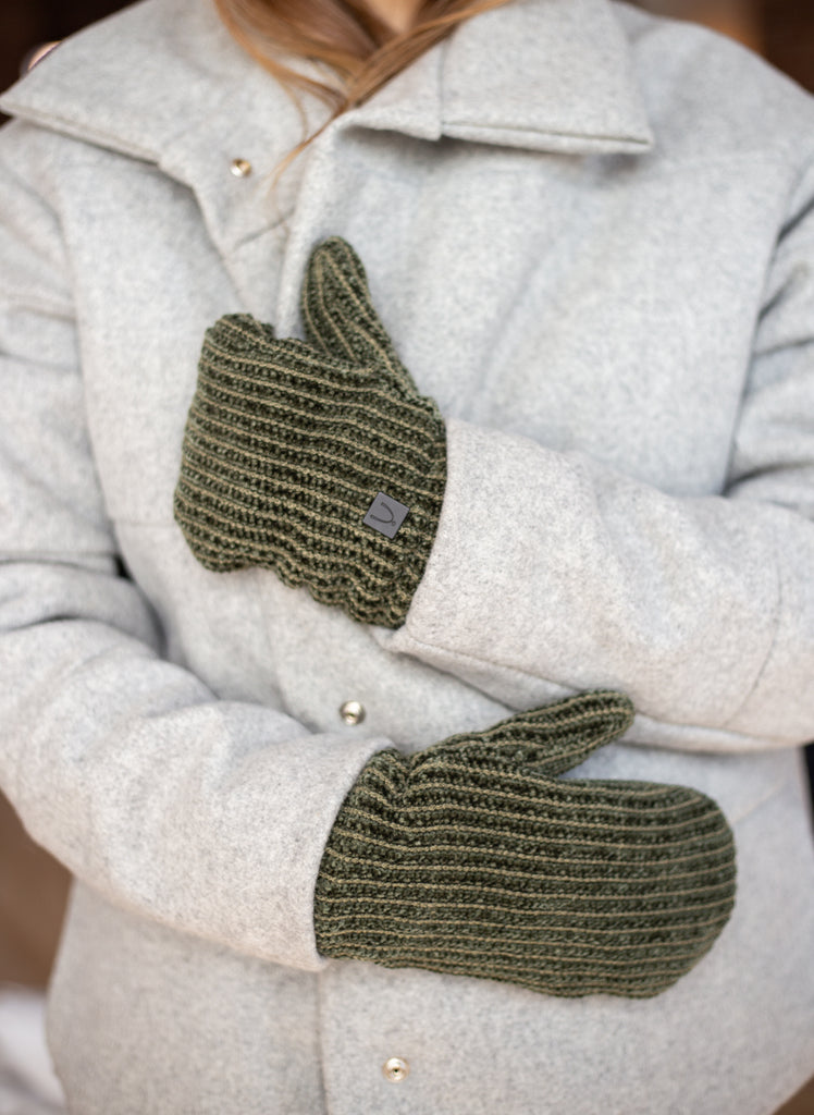 Les mitaines chenille / The Chenille Mitts