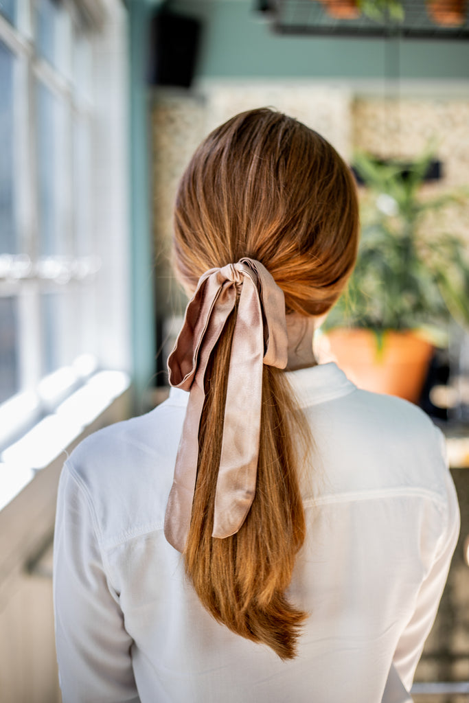 La couette en satin d'automne / The Fall Satin Multifunctional Hair Accessory