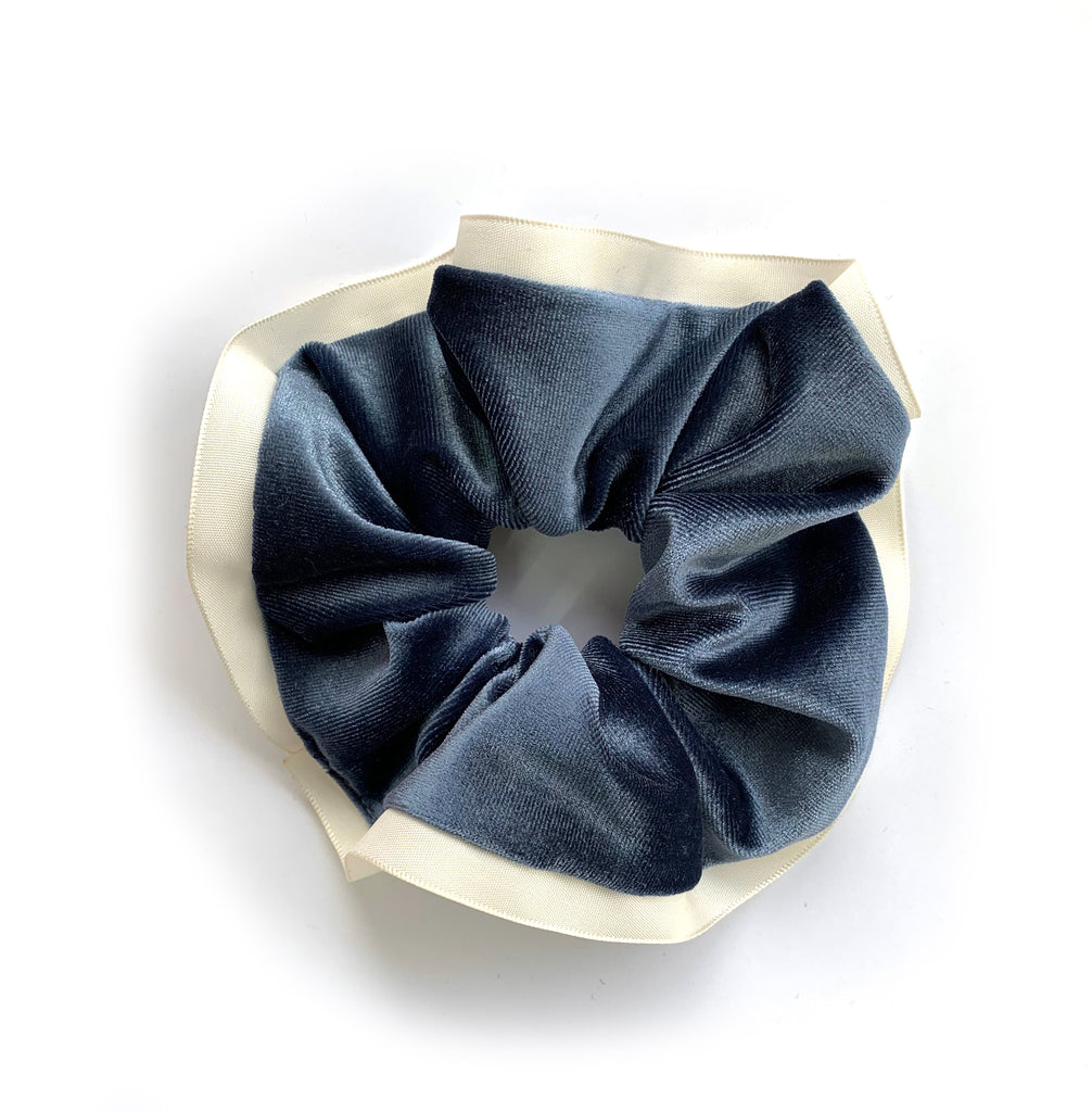 Le Chouchou Velours avec bordure / The Velvet Scrunchy With Trim