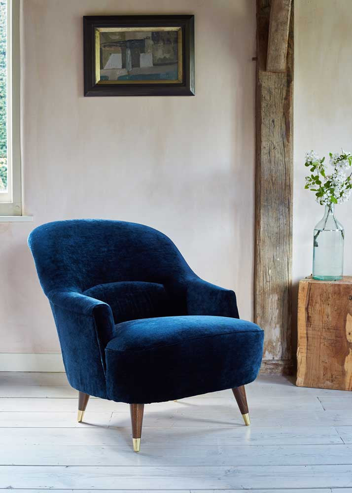 The Pinta Chair in luxe Tatiana Midnight velvet