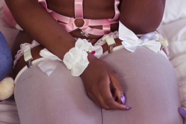 Princess adjustable ruffle garter