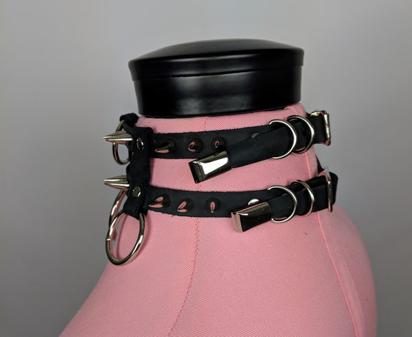 Caden spiked leather o ring collar