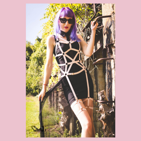Myah full body harness with optional skirt