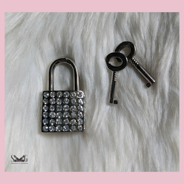 Rhinestone lock with keys