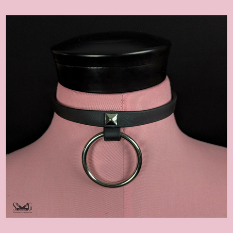 Pyramid vegan biothane collar