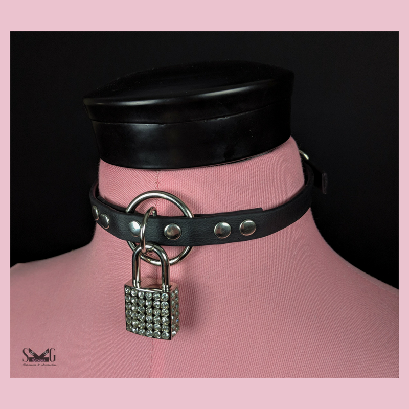Circe vegan biothane collar with lock
