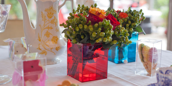 Tabletop flower arrangement using colored 105C boxes