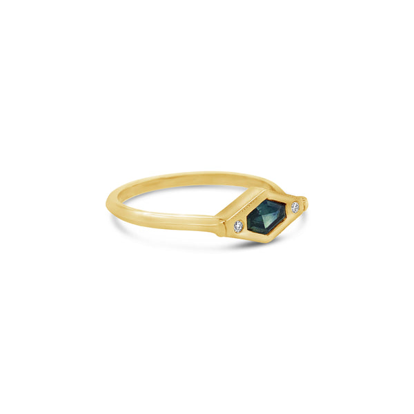 Lisette Ring Yellow Gold with Sapphire and Diamonds