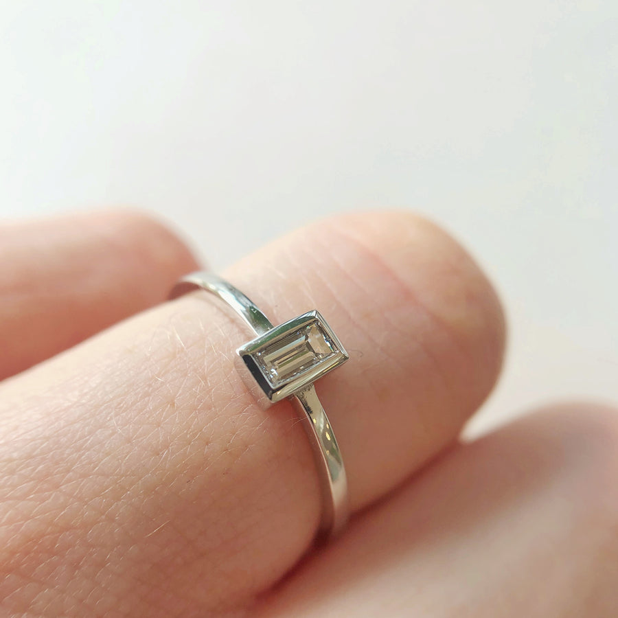 Petite Baguette Ring w White Diamond in White Gold