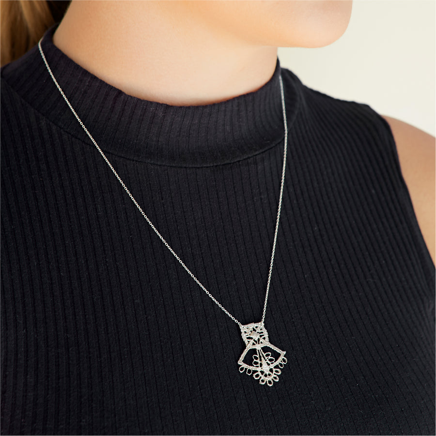 Saint-Etienne Lace Necklace Silver