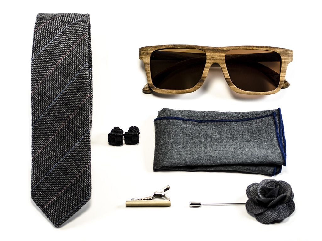 "matched men's accessories - Blue Tie, Bow tie, pocket square, cuff links, money clip - model ""on a rush"""