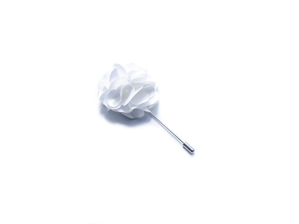White Flower Lapel Pin | Diner en blanc | Parlour.Club