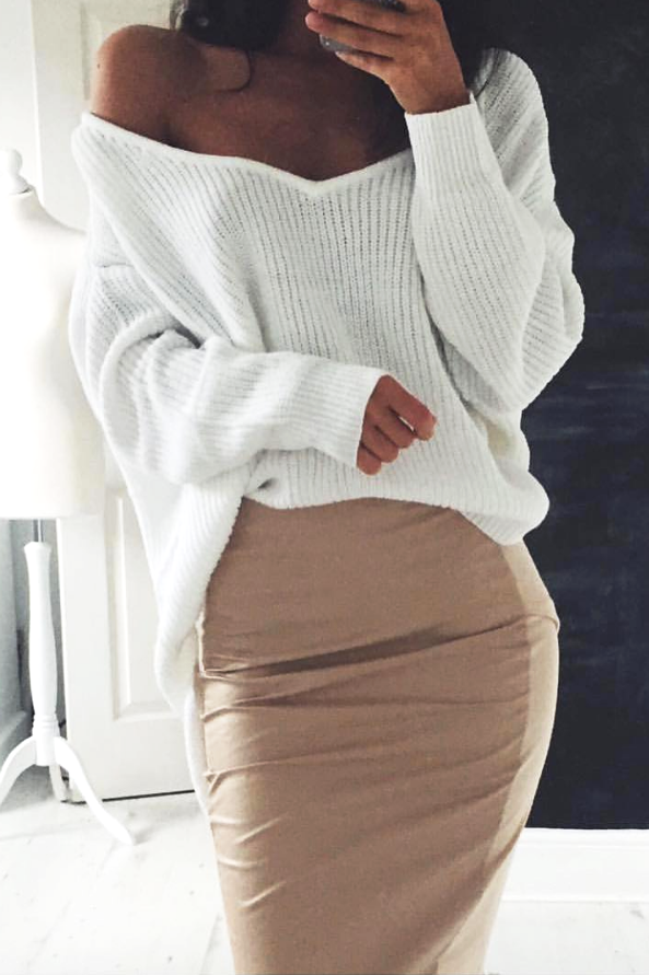 White V-Neck Knitted Pullover - BEHIND HEMLINES