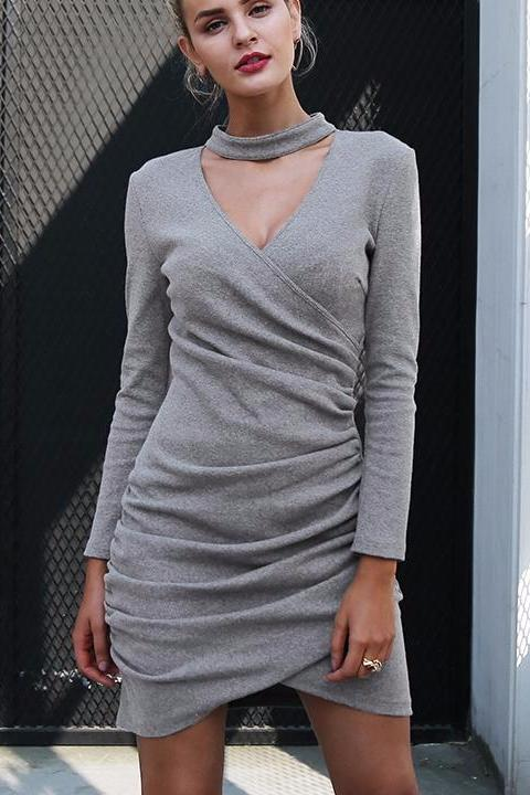 Halter Neck Knitted Sweater - BEHIND HEMLINES