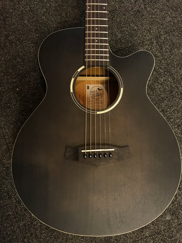 Tanglewood Blackbird Superfolk C.E
