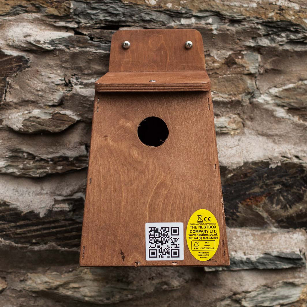 Nest box for garden hole nesting birds