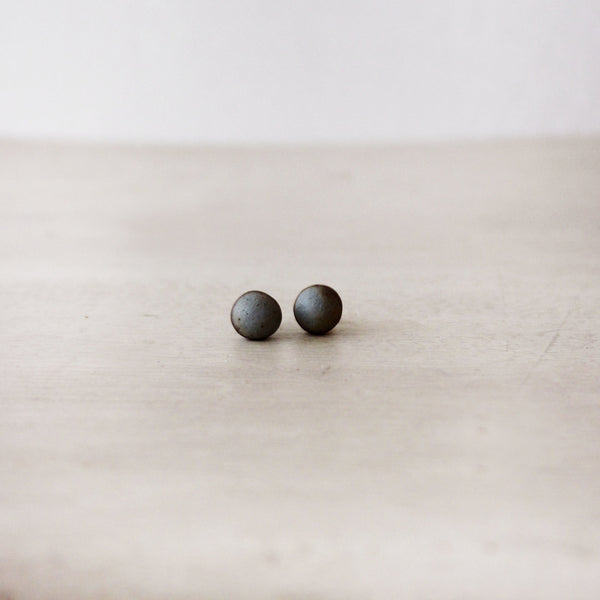Woodfolk Natural Stoneware Rustic Blue Studs