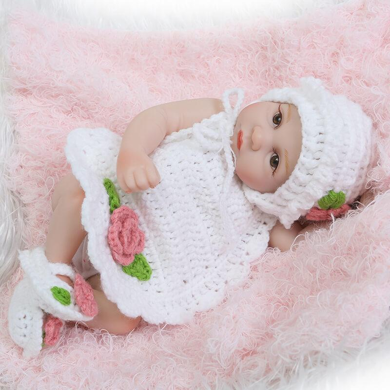 Minidiva Lifelike Reborn Baby Doll Isla with Knitted Cloth - MiniDiva