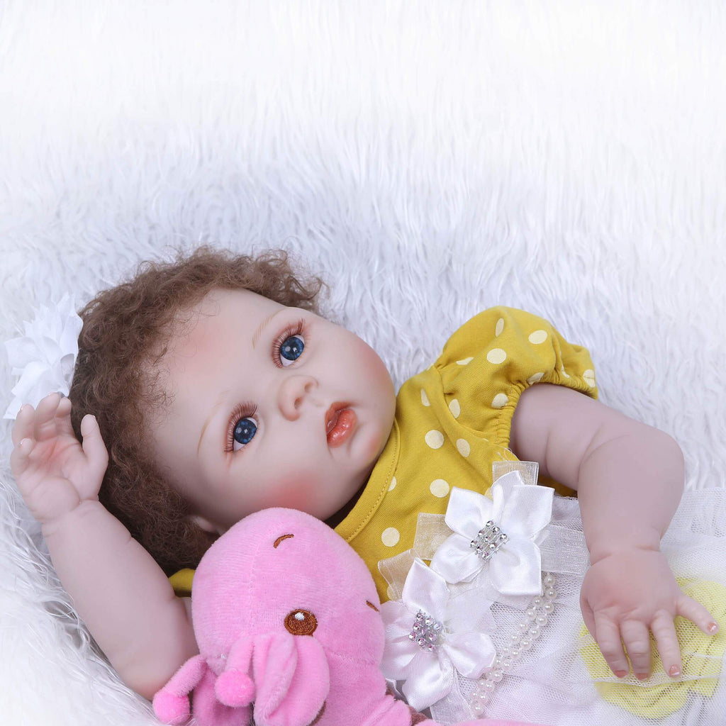 Minidiva Lifelike Baby Girl Ivey with Giraffe Doll - MiniDiva