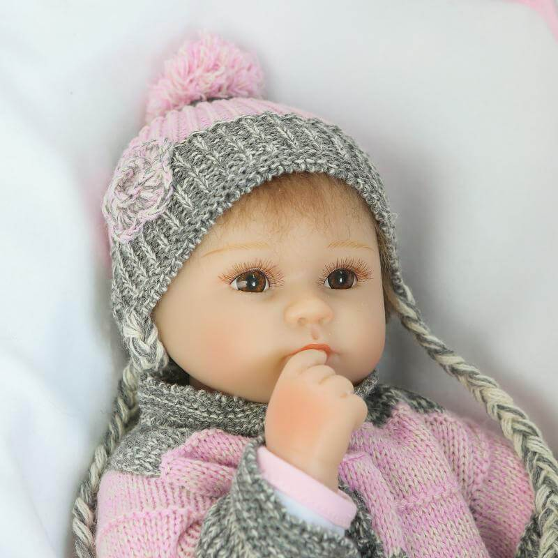Minidiva Lifelike Baby Doll Sweater Girl Nana - MiniDiva