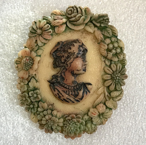 Vintage celluloid hand painted cameo pin brooch - Talma's Work&Shop  - 1