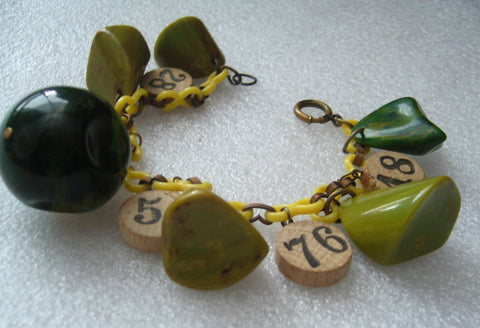 Vintage bakelite and wood bracelet on celluloid chain - Talma's Work&Shop  - 1