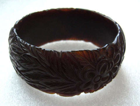 Vintage art deco carved brown color flowers leaves bakelite  bangle - Talma's Work&Shop  - 1