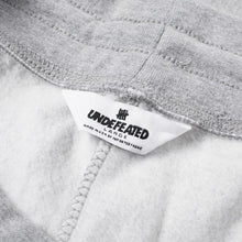 UNDEFEATED 5 STRIKE SWEATPANT // GREY HEATHER